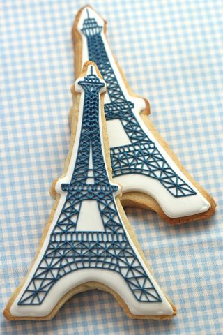 Eiffel-tower-cookies-590x885